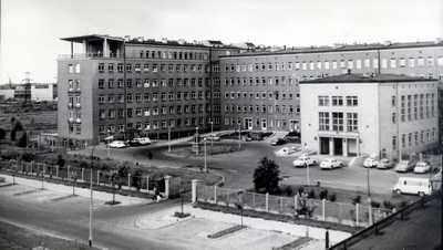 Nowo wybudowany budynek Instytutu Reumatologii przy ul. Spartańskiej  (lata 60-te)
